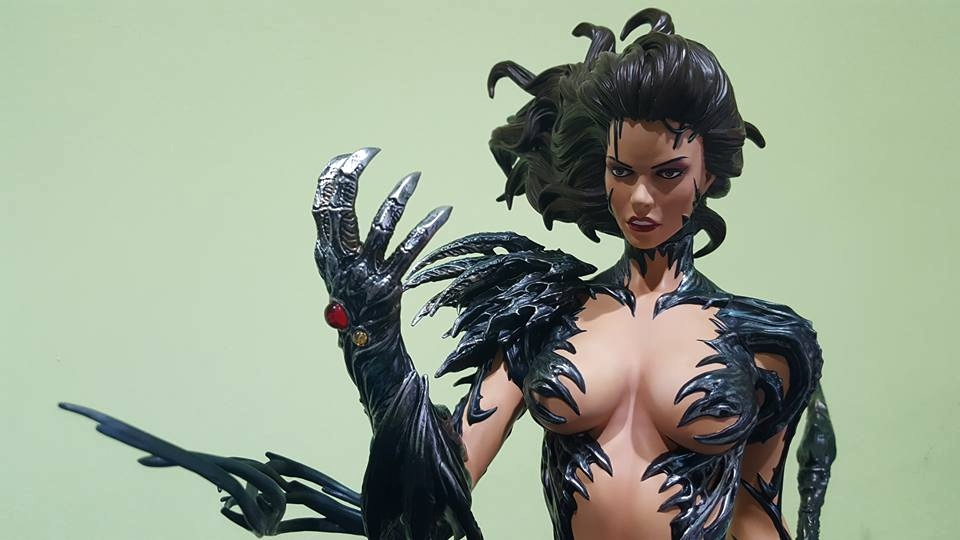 Premium Collectibles : Witchblade - Page 4 145uhk