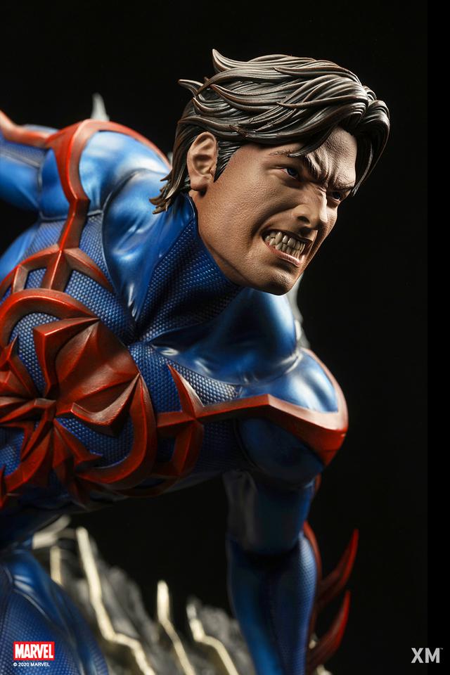 Premium Collectibles : Spider-Man 2099 14xljit