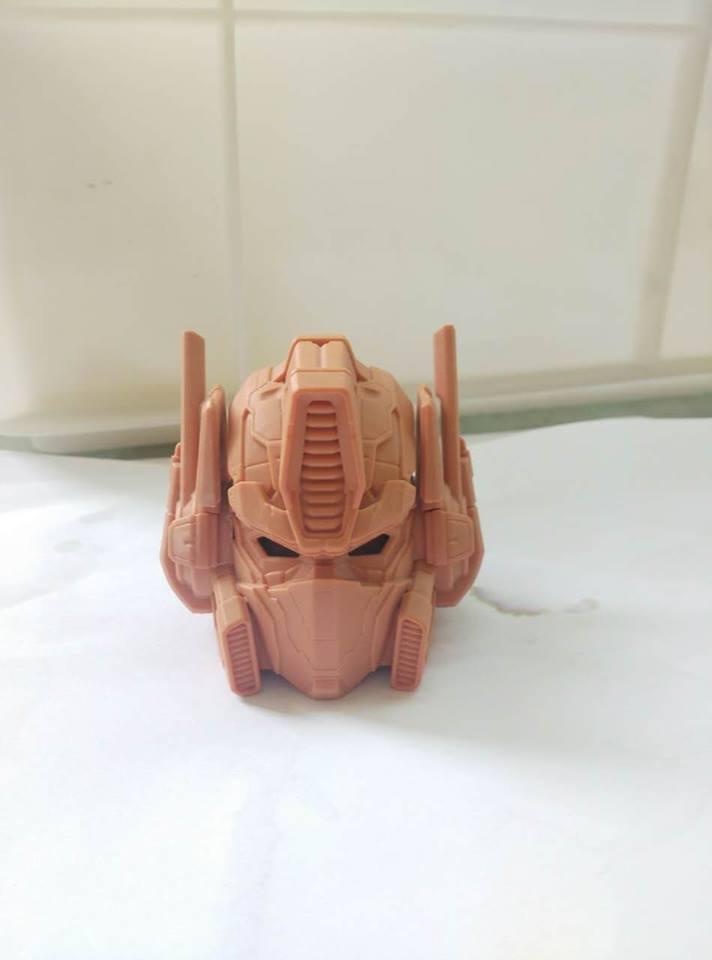 Premium Collectibles : Transformers - Optimus Prime (G1) 15590152_1788443928044ip2h