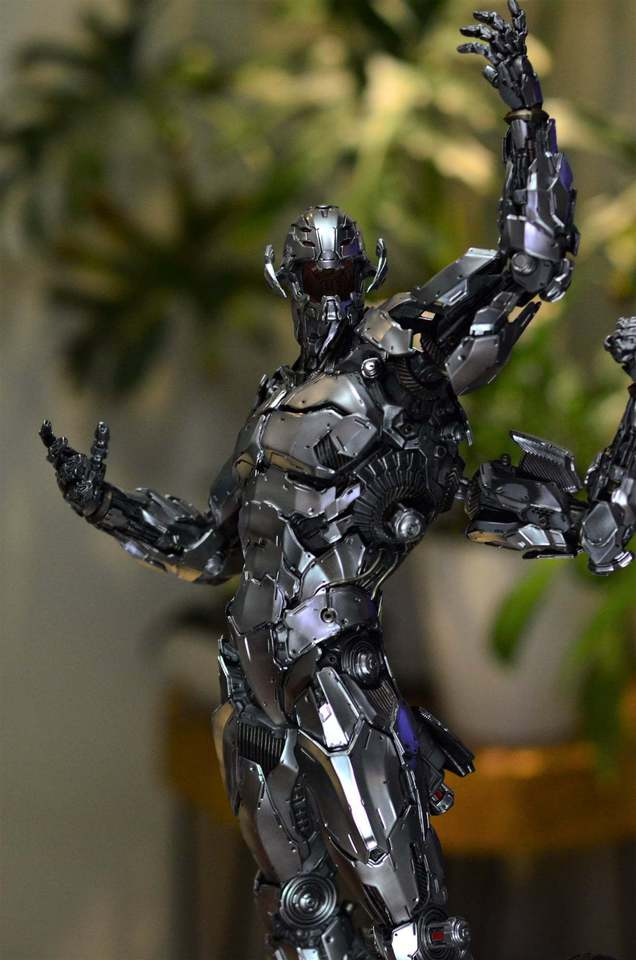 Premium Collectibles : Ultron 157547318_10217791550nwjcf