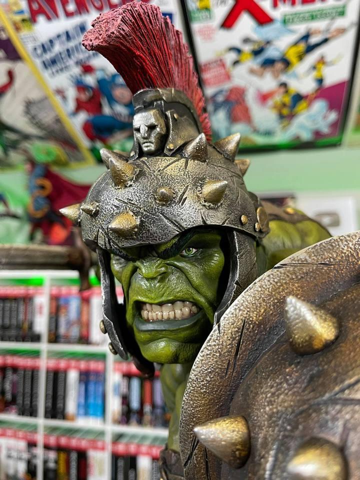 Premium Collectibles : Planet Hulk / King Hulk** - Page 2 158970556_14152468021g3kkp