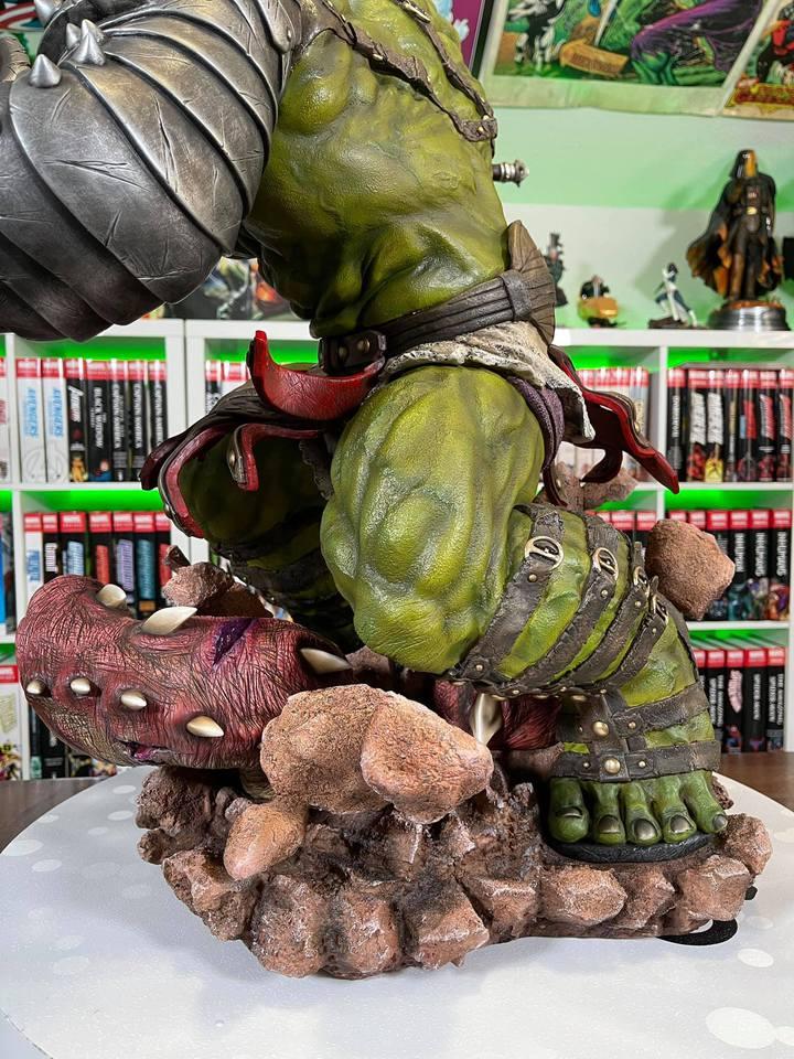Premium Collectibles : Planet Hulk / King Hulk** - Page 2 158979992_14152465621wfji1