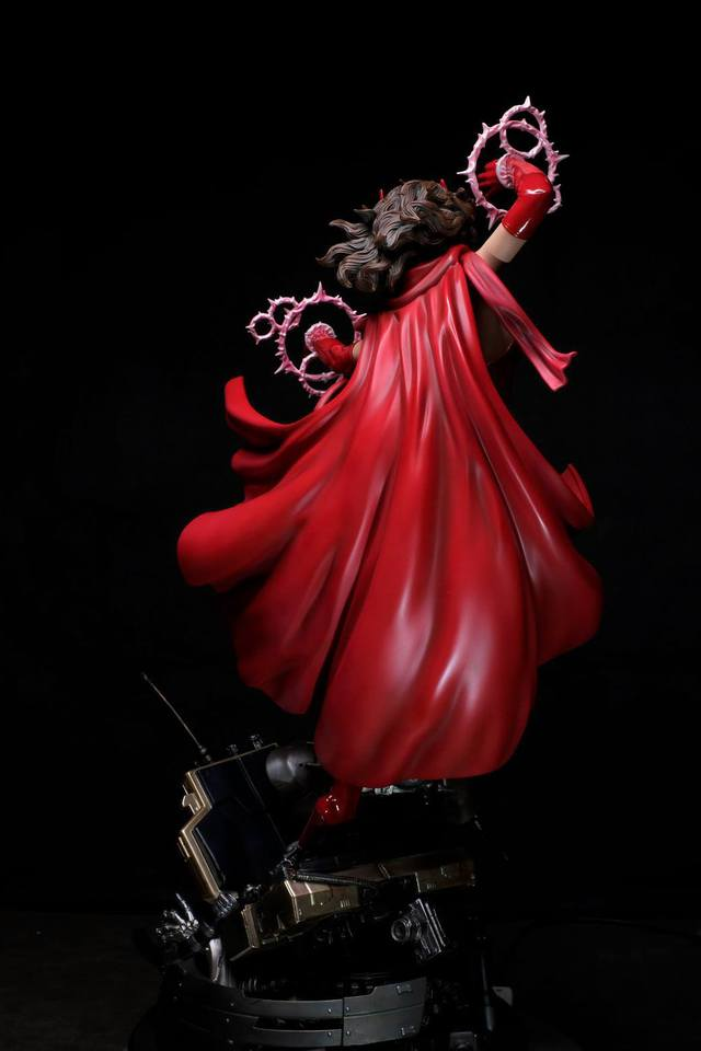 Premium Collectibles : Scarlet Witch** 15iijy5