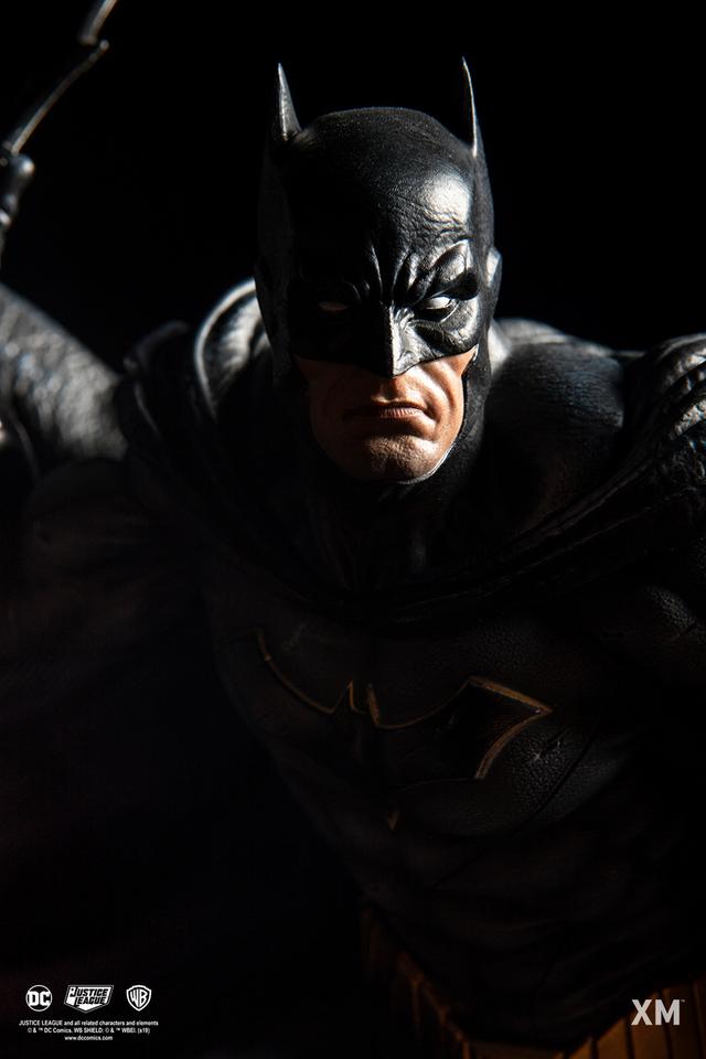 Premium Collectibles : JLA Batman 1/6**   15jckzm