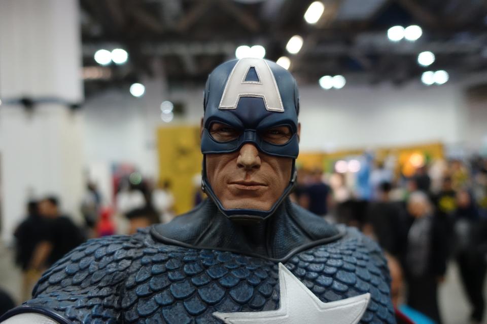 Premium Collectibles : Captain America 1/3 15p4kyl