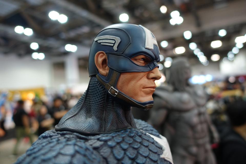 Premium Collectibles : Captain America 1/3 16d9kl7