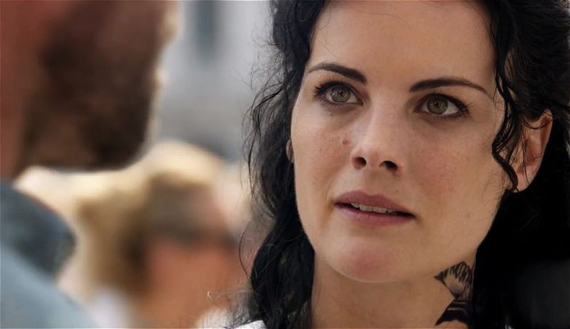 Blindspot: 3.Sezon Tüm Bölümler Ekran Görüntüsü 1