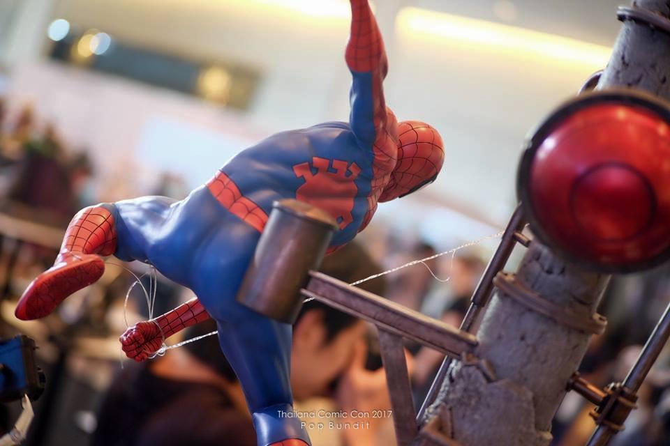 Premium Collectibles : Spiderman** 16r0uxd