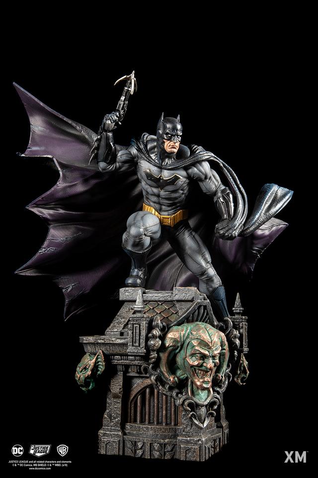 Premium Collectibles : JLA Batman 1/6**   16zojb2