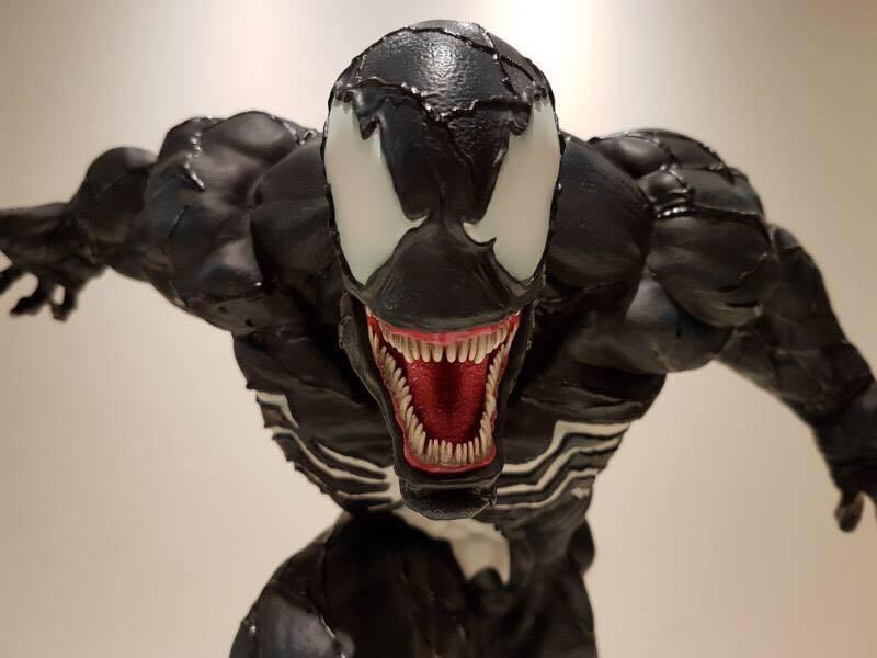 Premium Collectibles : Venom - Comics Version - Page 4 17634465_1015420103062epai