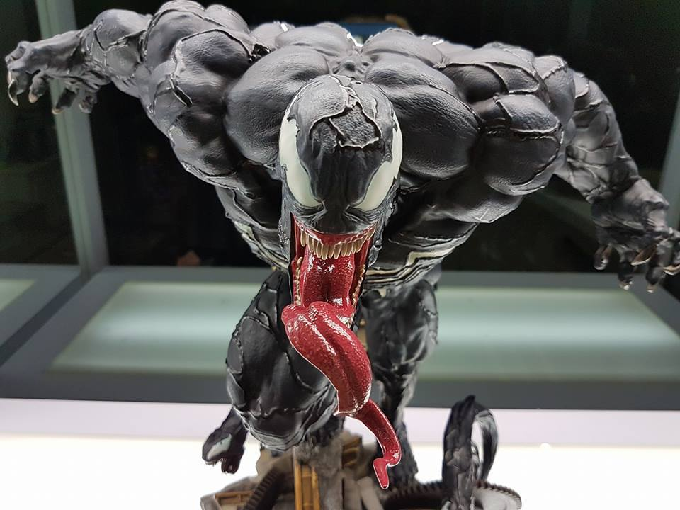 Premium Collectibles : Venom - Comics Version - Page 4 17883770_10211636316803u6x