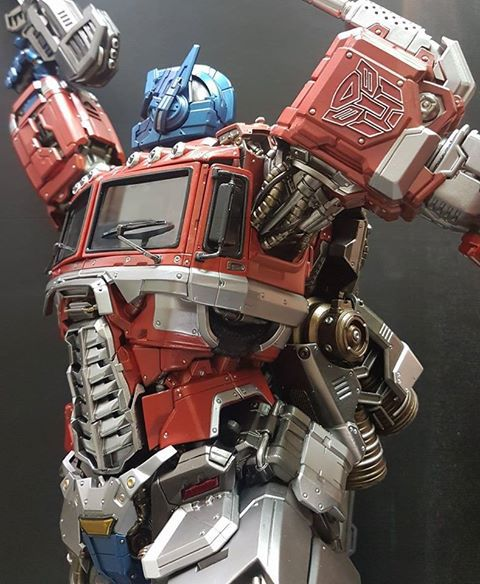 Premium Collectibles : Transformers - Optimus Prime (G1) 17903348_18512592517617jj6