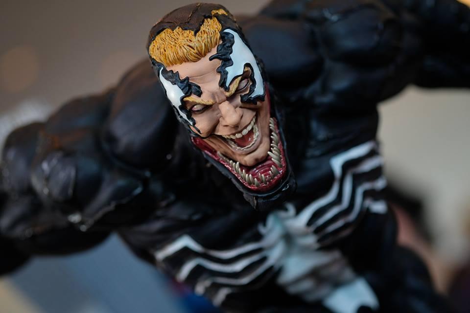 Premium Collectibles : Venom - Comics Version - Page 4 17991040_10208925273786jhk
