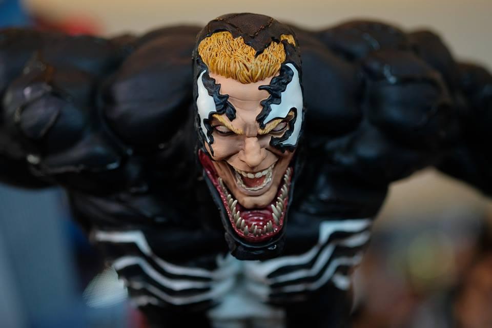 Premium Collectibles : Venom - Comics Version - Page 4 17991180_102089252741zbkyg