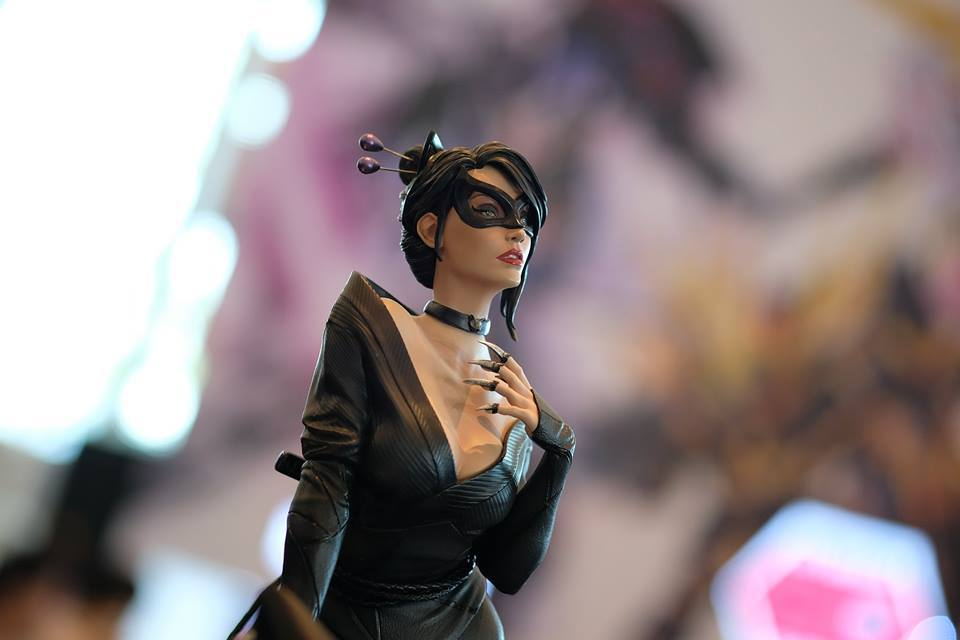 Premium Collectibles : Catwoman - Page 3 17992062_1020892499498wu28
