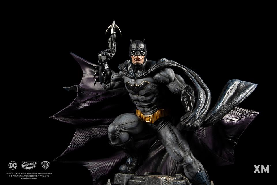 Premium Collectibles : JLA Batman 1/6**   17t8jlj