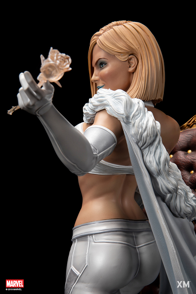 Premium Collectibles : Emma Frost 17wfjx8