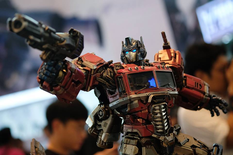 Premium Collectibles : Transformers - Optimus Prime (G1) 18056918_102089249848s6uqp