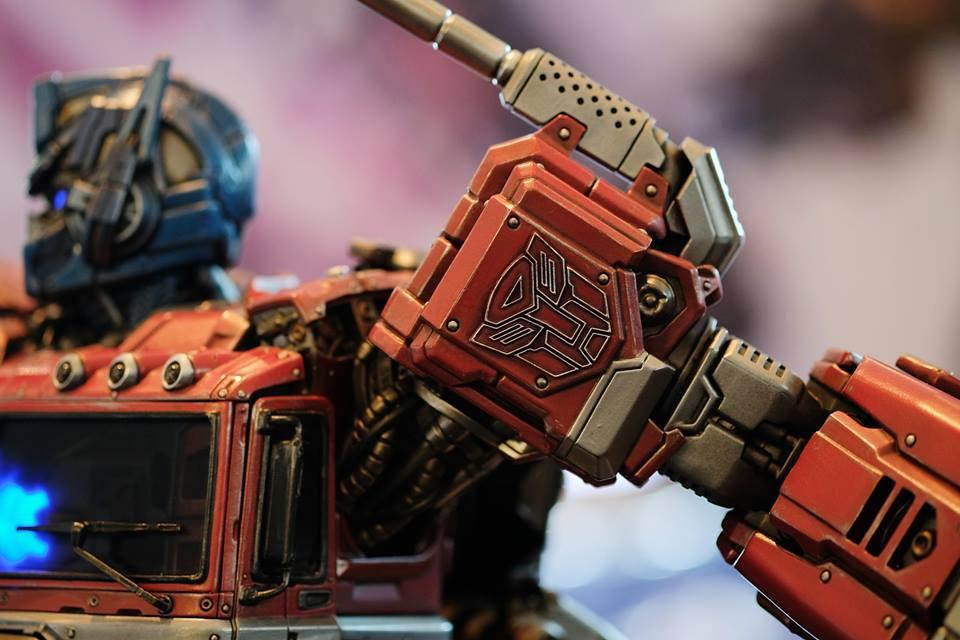 Premium Collectibles : Transformers - Optimus Prime (G1) 18057752_10208924989221ulc