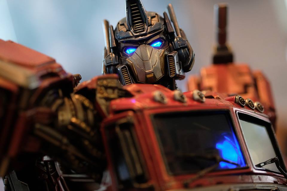 Premium Collectibles : Transformers - Optimus Prime (G1) 18057817_102089249842wlu88