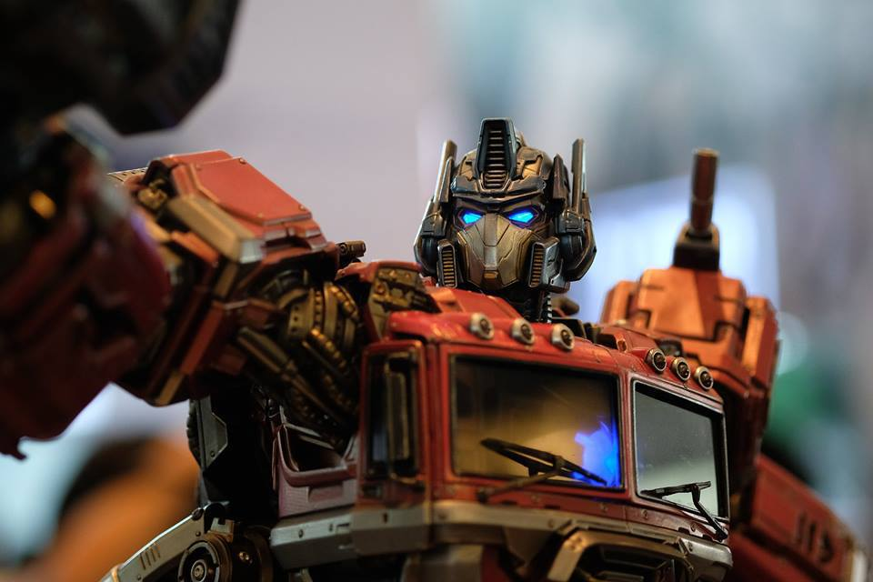Premium Collectibles : Transformers - Optimus Prime (G1) 18118470_102089249853xxus9