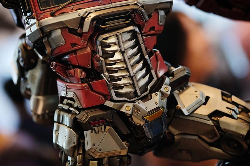 Premium Collectibles : Transformers - Optimus Prime (G1) 18118540_102089249881z1u93
