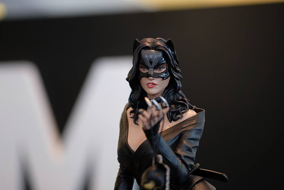 Premium Collectibles : Catwoman - Page 3 18118602_1020892499669vug2