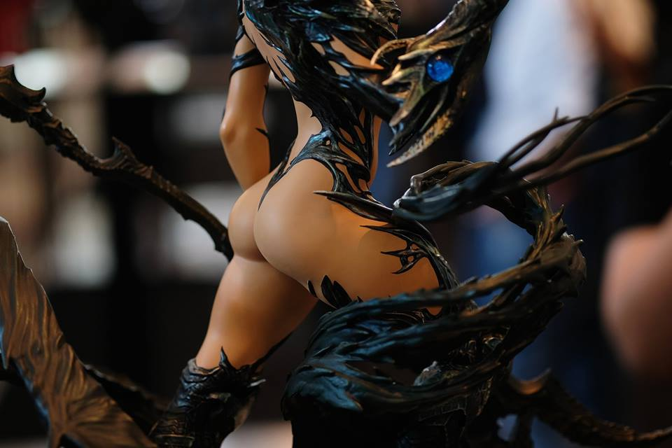 Premium Collectibles : Witchblade - Page 4 18118978_102089254376t8blm