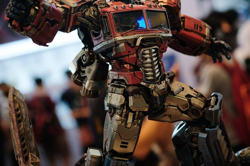 Premium Collectibles : Transformers - Optimus Prime (G1) 18119314_102089249865x0u6l