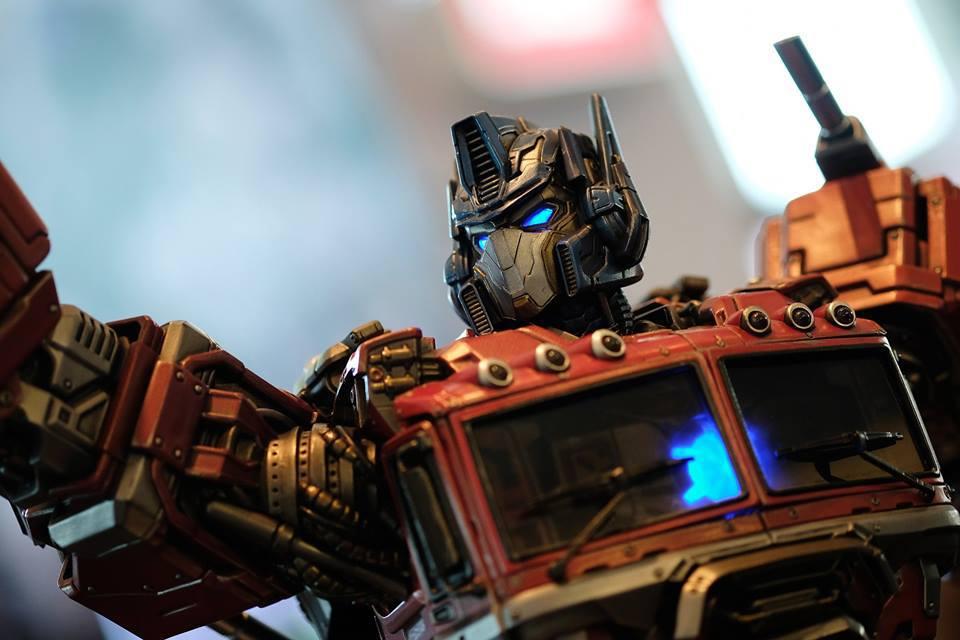 Premium Collectibles : Transformers - Optimus Prime (G1) 18119467_102089249859f8u47