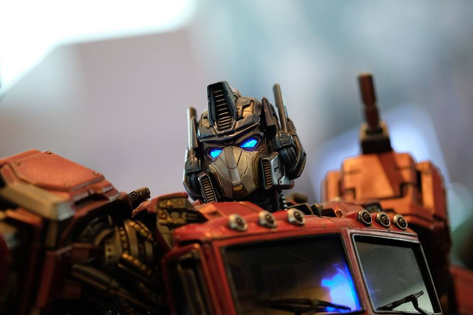 Premium Collectibles : Transformers - Optimus Prime (G1) 18119559_102089249857nfuc2