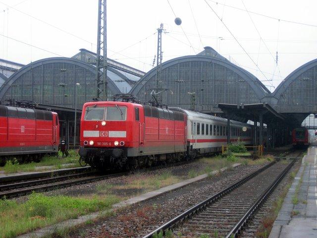 181 205-6 Ausfahrt Karlsruhe Hbf