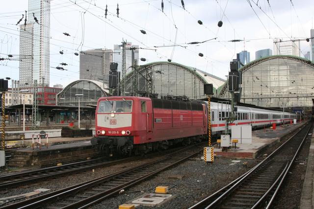 181 213-0 Saar Ausfahrt Frankfurt(Main)Hbf