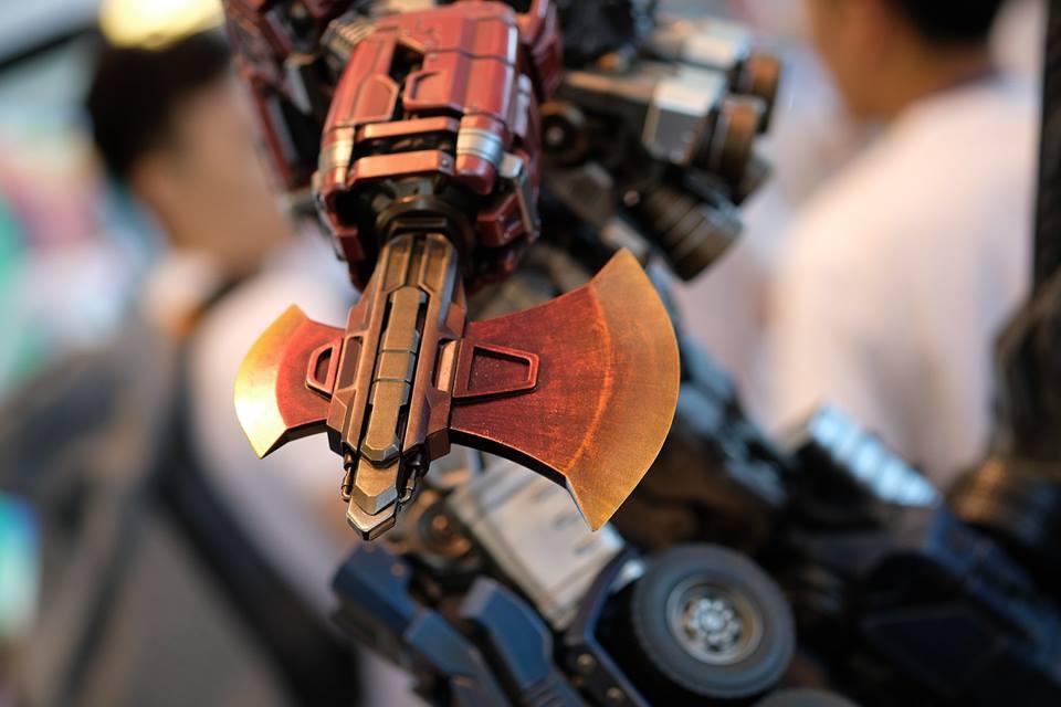 Premium Collectibles : Transformers - Optimus Prime (G1) 18157103_102089249907xtumz