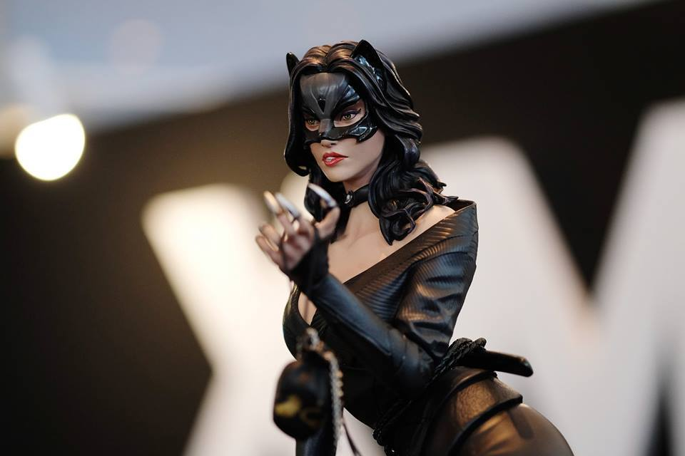 Premium Collectibles : Catwoman - Page 3 18157225_102089249982dsuzd