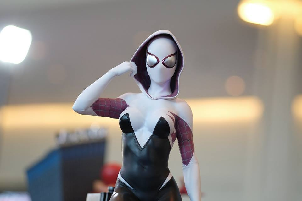 Premium Collectibles : Spider-Gwen 18157315_102089252324s3slm