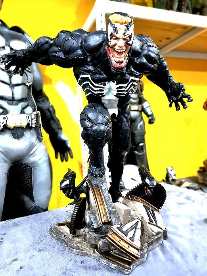 Premium Collectibles : Venom - Comics Version - Page 5 184sunr
