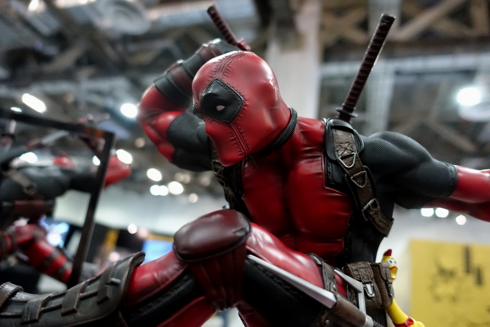 Premium Collectibles : DeadPool ** 1922jda