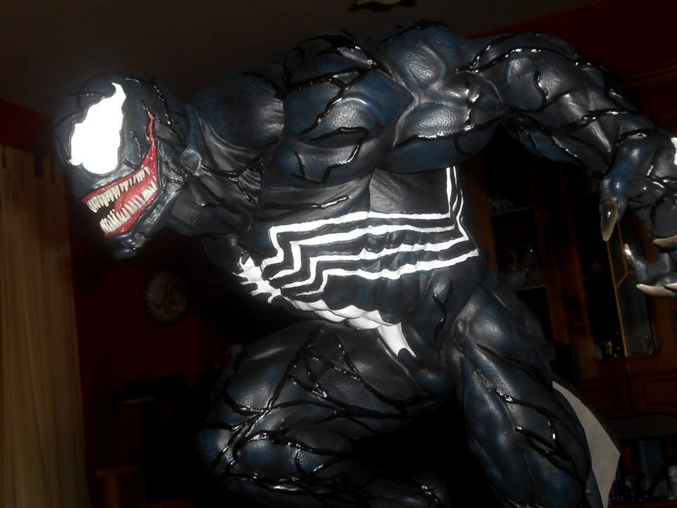 Premium Collectibles : Venom - Comics Version - Page 5 19248030_15465775553917s42