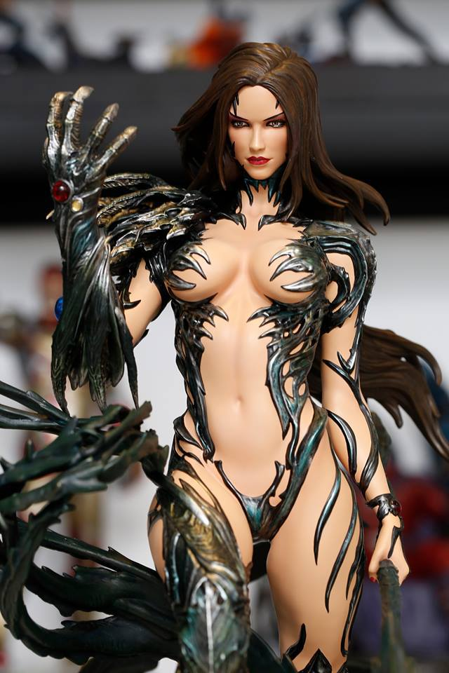 Premium Collectibles : Witchblade - Page 4 19601245_1802520586729greg