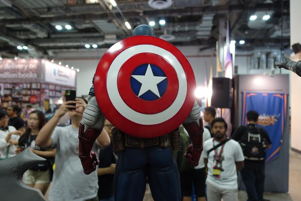 Premium Collectibles : Captain America 1/3 19rmjsb