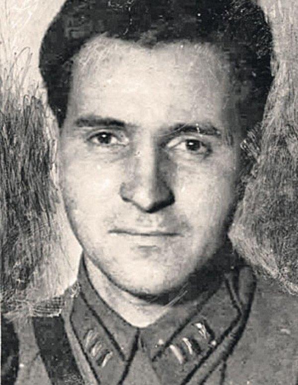 Konstantin M. Simonow 1_10tvku4