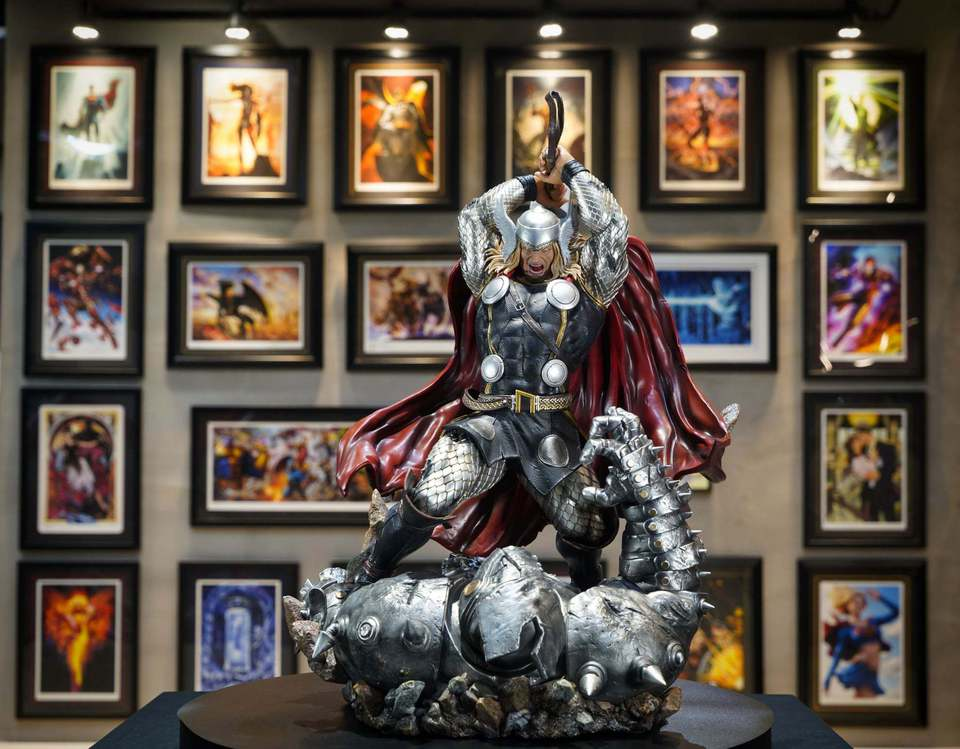 Premium Collectibles : Modern Thor 1h4kyb