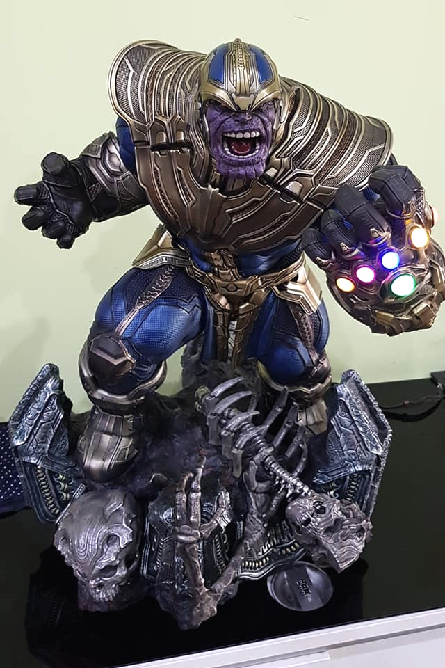 Premium Collectibles : Thanos and Lady Death 1kckt2