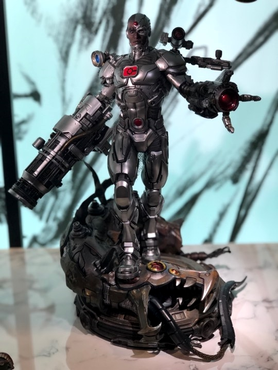 Premium Collectibles : JLA Cyborg 1/6**   1lak8d