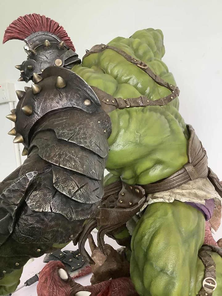 Premium Collectibles : Planet Hulk / King Hulk** 1qtj3g
