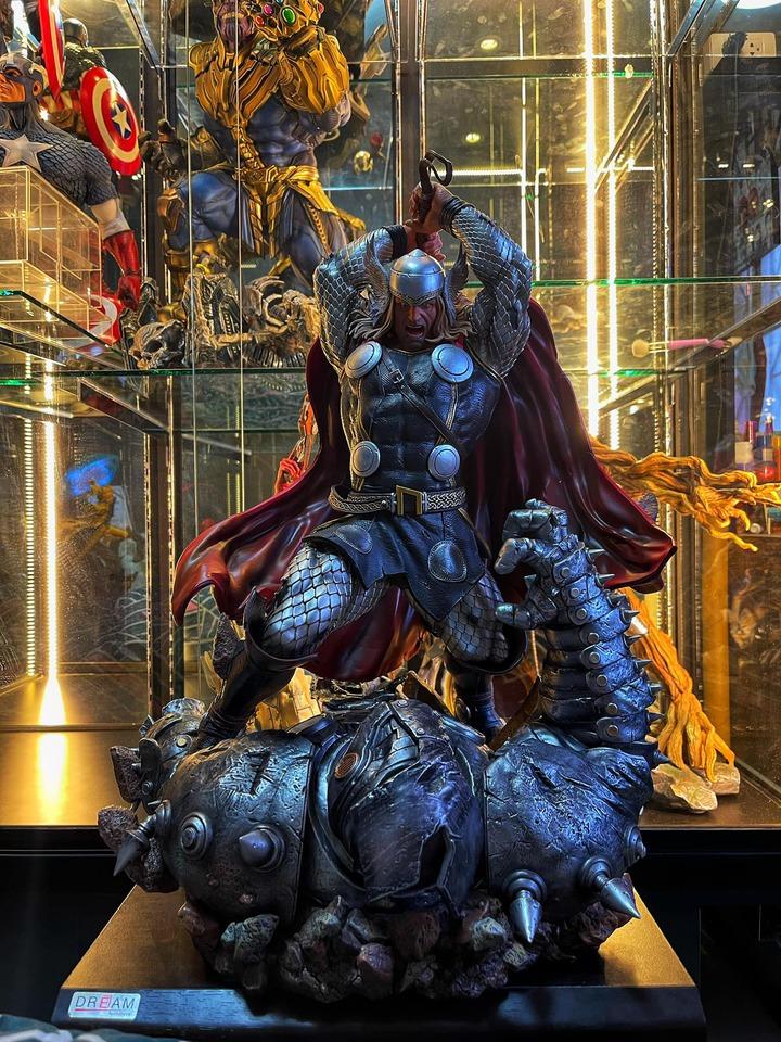 Premium Collectibles : Modern Thor 1y1jv0