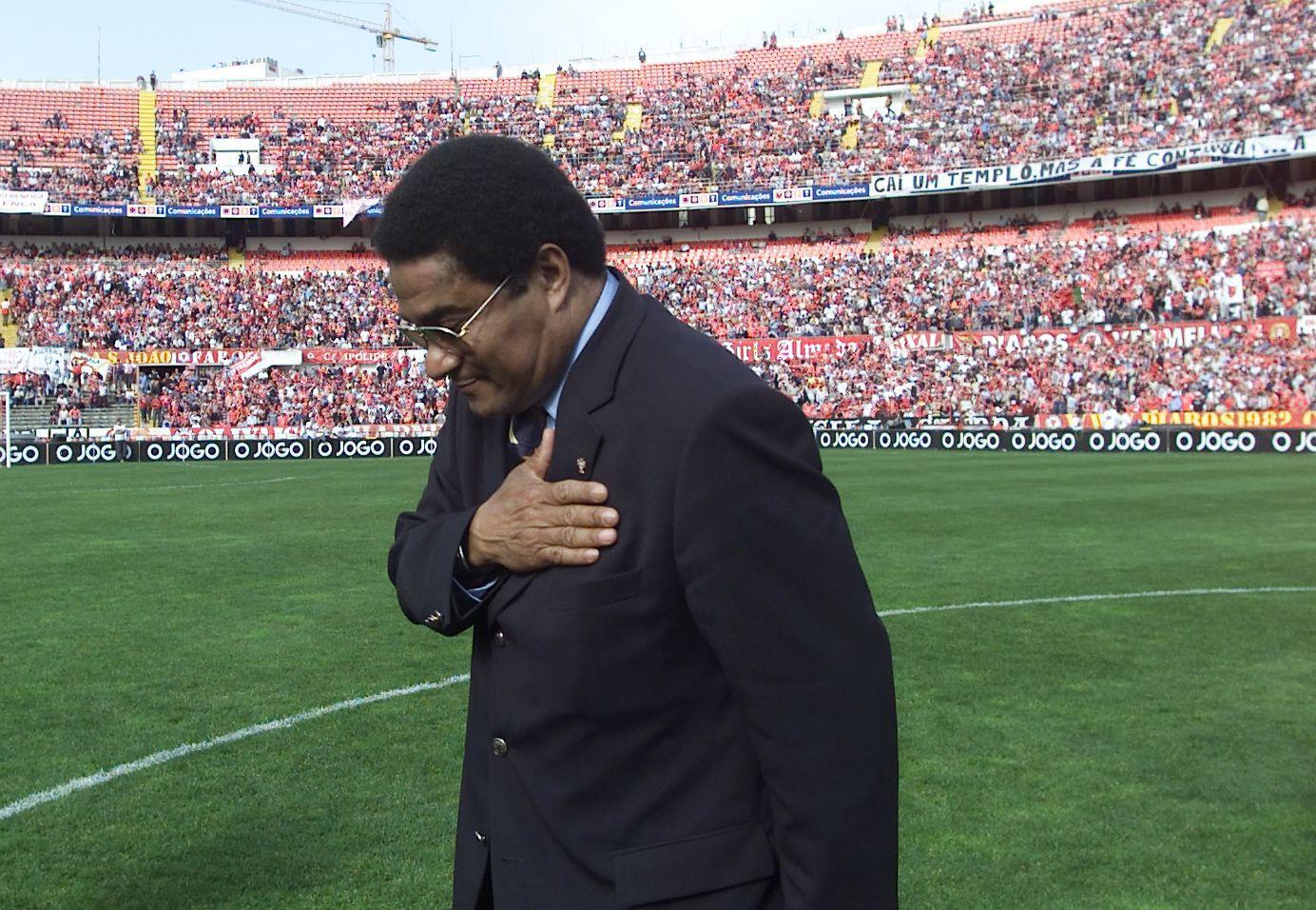 Foto #1 - Eusébio despede-se no último jogo da velha Luz