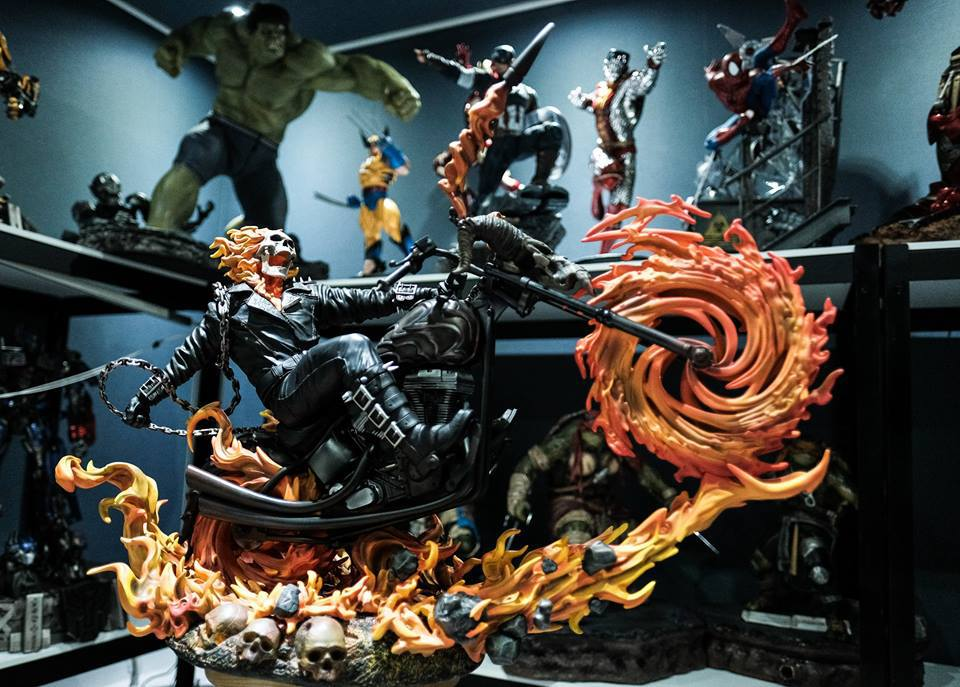 Premium Collectibles : Ghost Rider - Page 6 1z4syr