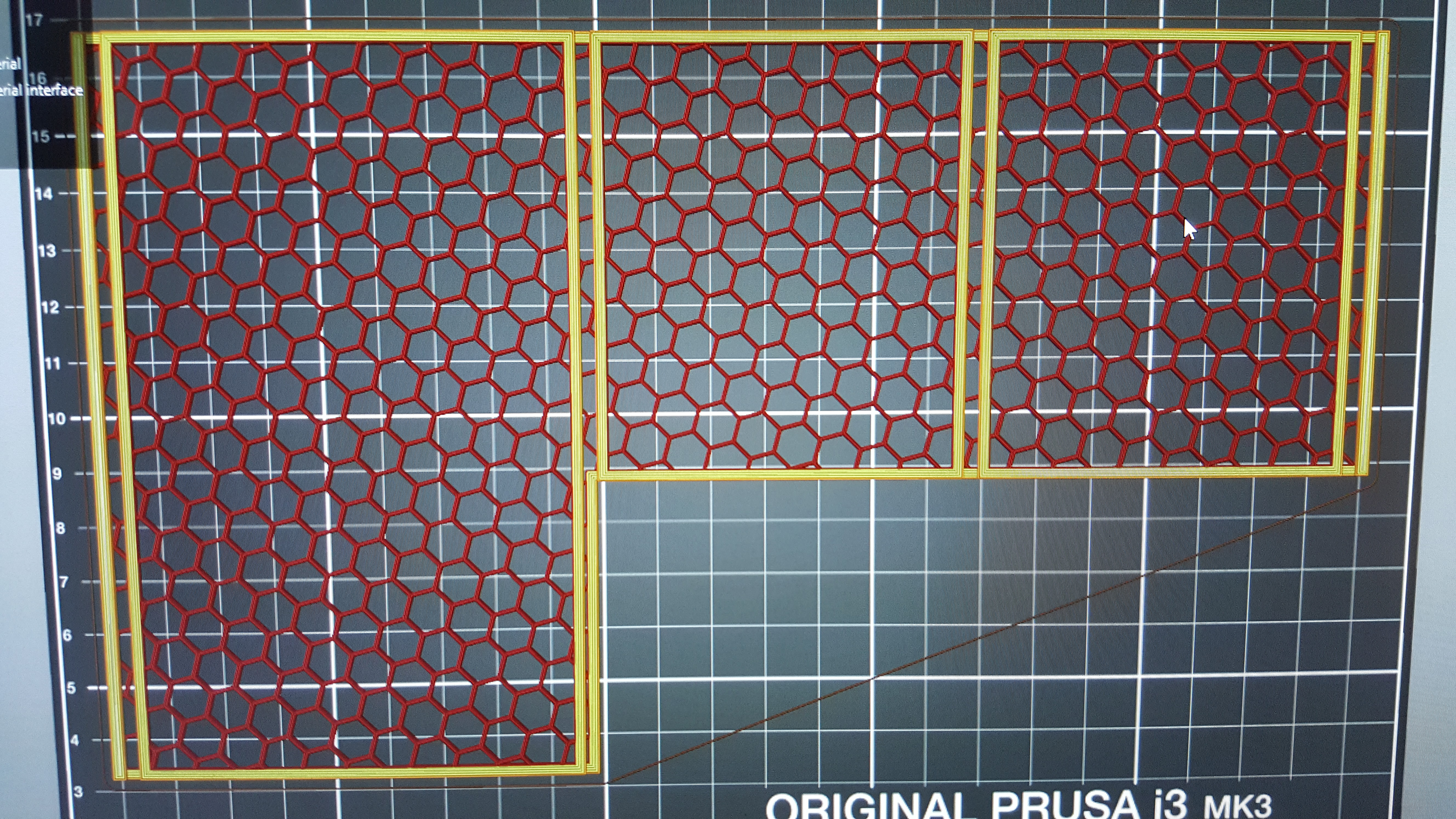 Slicer Screenshot of the Honeycomb Structure
